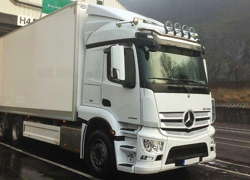 lastbil för distribution
